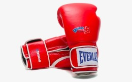 美國拳擊裝備生產商Everlast 與日本鞋店atmos推出聯名款產品