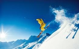 受冬奧籌辦利好推動,冰雪概念股開盤大漲,萊茵體育等直接漲停
