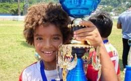 巴西8歲小球員與耐克簽約三年